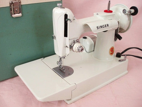 Dating featherweight sewing machines-in-Duvaucelle