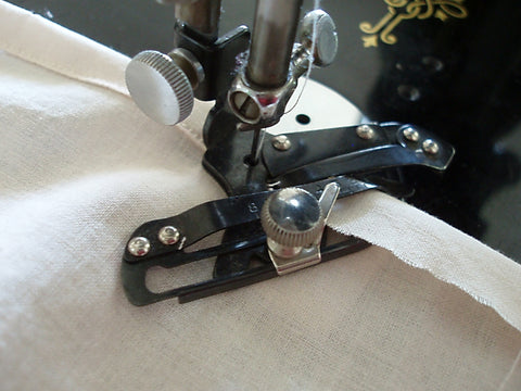 Singer Featherweight Adjustable Hemmer
