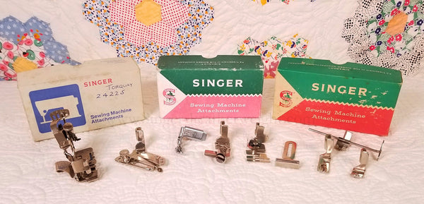 Singer Featherweight White 221K7 Attachments Box Set