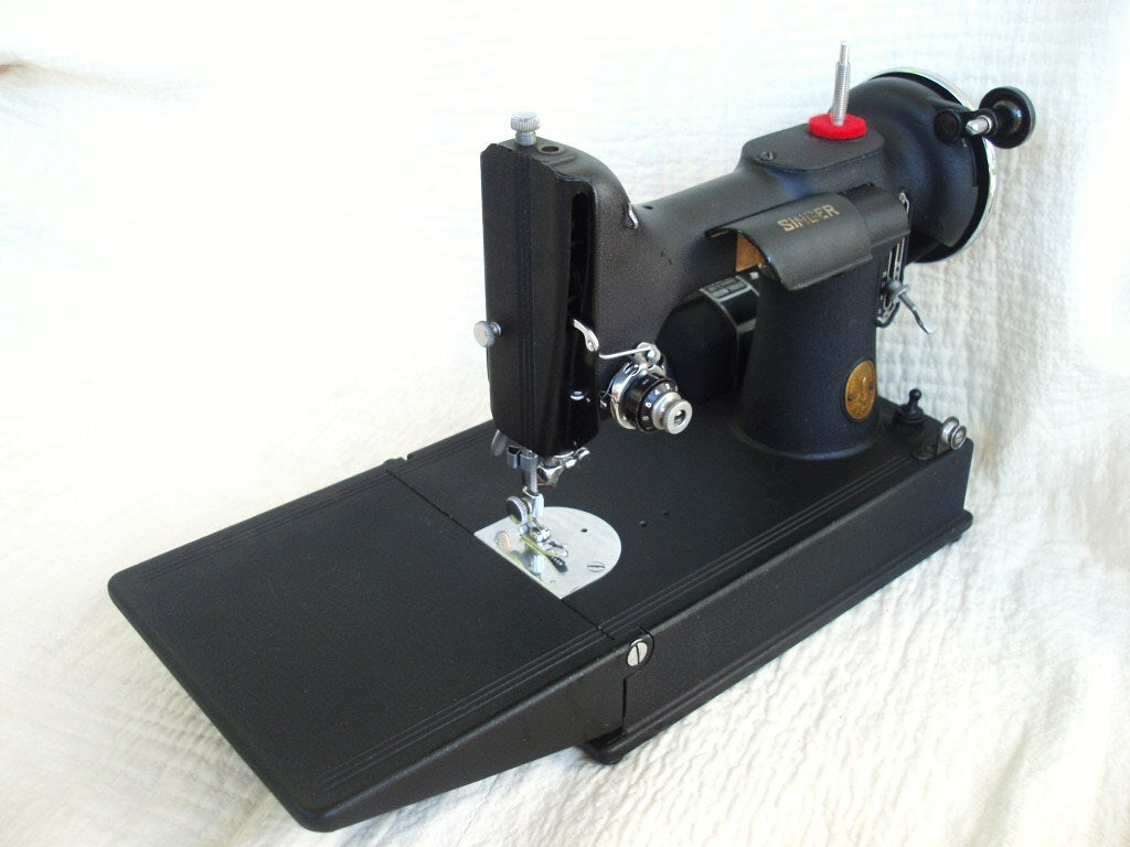Singer Featherweight 221 Wrinkle With Wrinkle Faceplate
