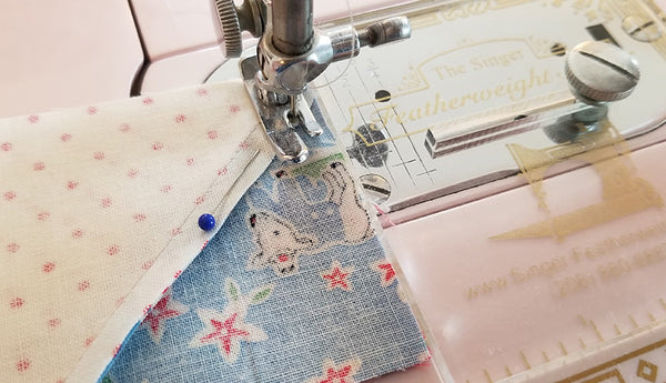 Lori Holt Farm Girl Vintage Quilt - Sew Along with the Featherweight Shop
