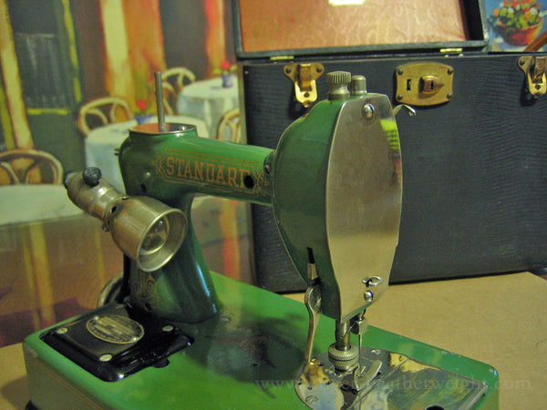 GE Standard Featherweight Sewhandy Portable Sewing Machine