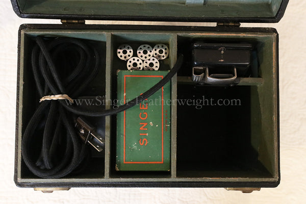 Singer Featherweight 221 Type #1 Case Top Tray With Accessories