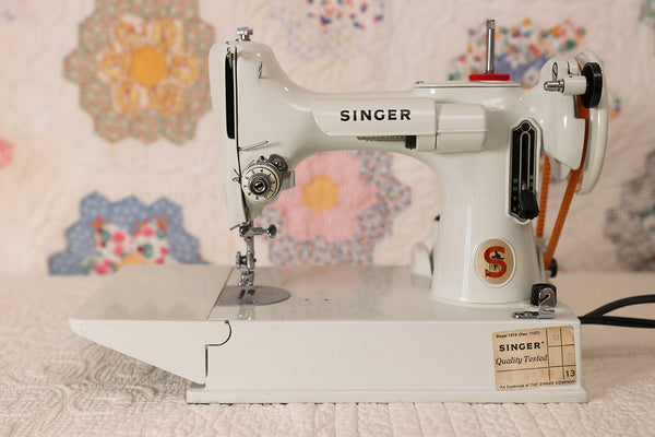 Singer Featherweight 221K White Featherweight FA