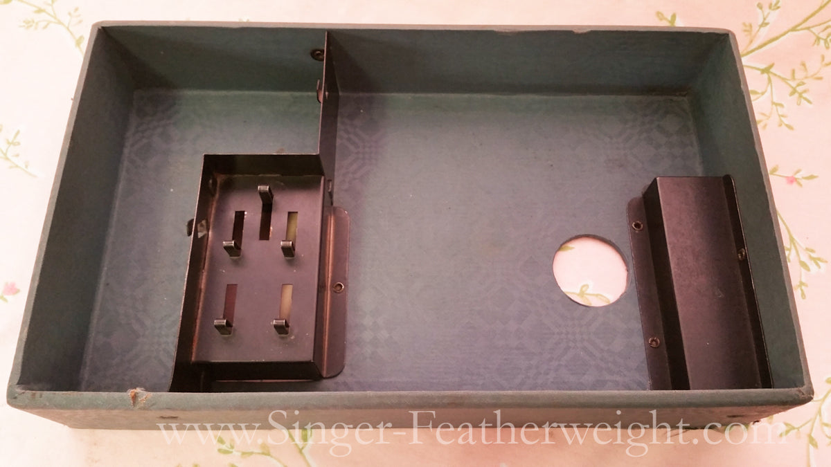 Singer Featherweight 221 Early Case Top Tray