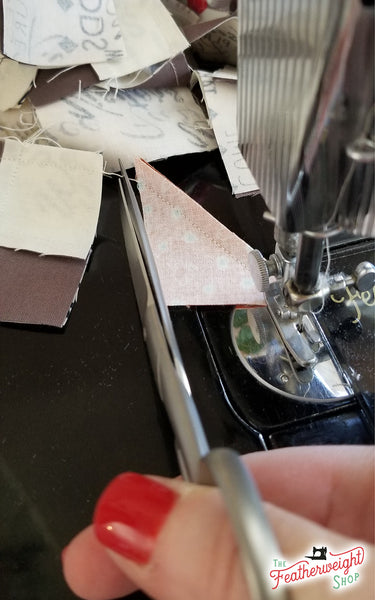 Leaders & Enders when sewing on a Singer Featherweight