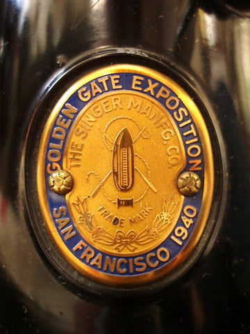 Singer Featherweight 221 Golden Gate Edition 1940 Badge