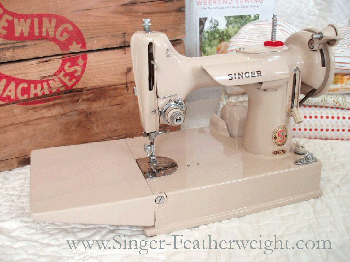 Singer Featherweight 221J Tan Featherweight