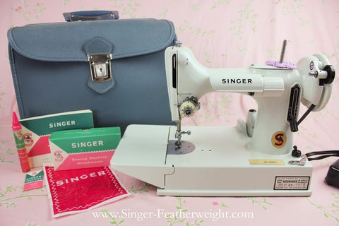 Singer Featherweight 221 - White 221K – The Singer Featherweight Shop 141639a339d2