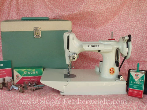 dating white singer featherweight
