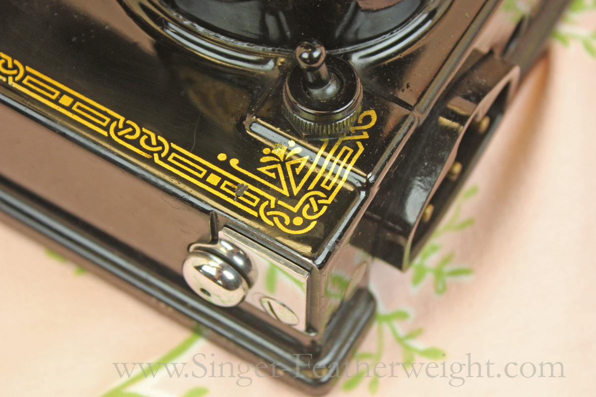 Singer Featherweight 221 Early Wrap Around Bed Decal