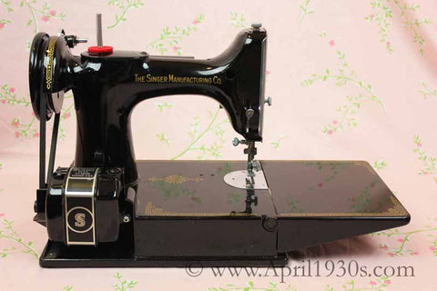 Singer Featherweight 40 Sewing Machine For Sale The Singer Adorable Singer 447 Sewing Machine