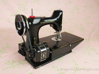 Load image into Gallery viewer, Singer Featherweight 221 Sewing Machine, CHICAGO BADGE 1934 AD543***