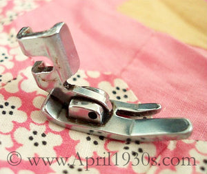 Presser Foot Attachment, Singer (Vintage Original)