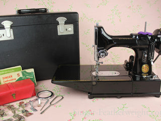 Load image into Gallery viewer, Singer Featherweight 222K Sewing Machine, ER316***