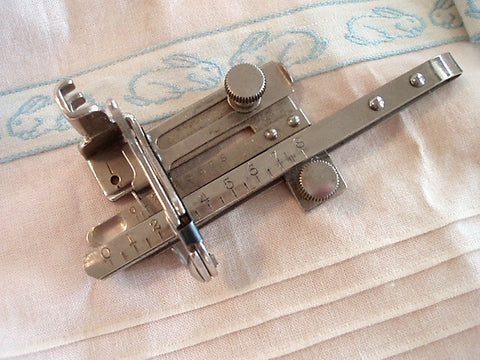 Tucker Pintuck Attachment, Singer (Vintage)