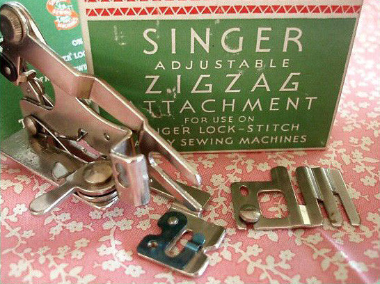 Singer Featherweight 40 ZigZag Adjustable Attachment The Singer Cool Vintage Singer Sewing Machine Attachments