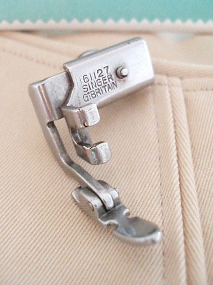 Zipper Cording Foot, Narrow - LOW Shank, Singer (Vintage Original)