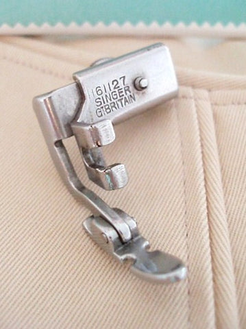 Zipper Cording Foot, Narrow - LOW Shank (Vintage Singer)