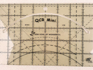 "Load image into Gallery viewer, QCR Quick MINI CURVE Ruler 5"" x 8"""