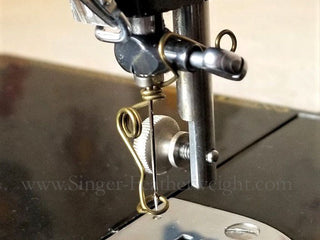 Load image into Gallery viewer, Universal Embroidery and Darning Wire Spring Foot, Singer (Vintage Original)