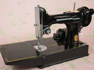 Load image into Gallery viewer, Singer Featherweight 221 Sewing Machine, ES244***