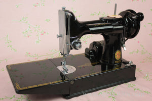 Singer Featherweight 221 Sewing Machine, ES244***