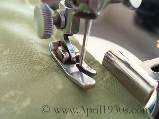 Load image into Gallery viewer, Presser Foot Attachment, LOW - Singer (Vintage Original)