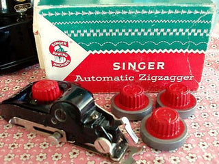 Load image into Gallery viewer, Zigzag Attachment, Singer Automatic (Vintage Original)
