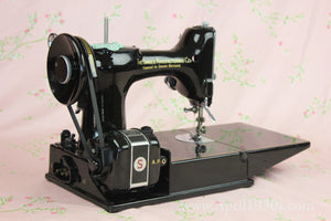 Singer Featherweight 221K Sewing Machine, French EF908***