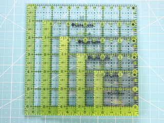 Load image into Gallery viewer, Cutting Ruler SET, SQUARE GREEN Cute Cuts by Lori Holt (with self-grips)
