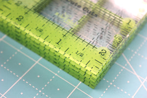 Cutting Ruler SET, SQUARE GREEN Cute Cuts by Lori Holt (with self-grips)