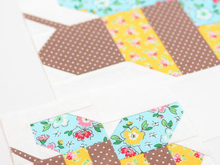 Load image into Gallery viewer, Pattern, Honey Bee Quilt Block by Ellis & Higgs (digital download)