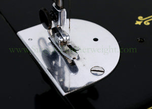 Singer Featherweight 221 Sewing Machine, AK745***