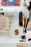Singer Featherweight 221K Sewing Machine, WHITE FA126***