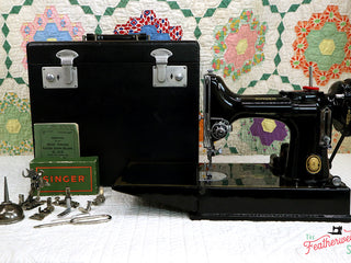 Load image into Gallery viewer, Singer Featherweight 221K Sewing Machine, EH136***