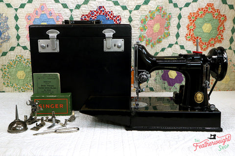 Singer Featherweight 221K Sewing Machine, EH136***