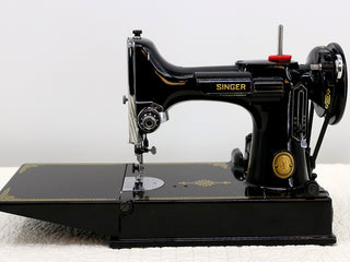 Load image into Gallery viewer, Singer Featherweight 221 Sewing Machine, AL005***