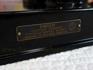 Load image into Gallery viewer, Singer Featherweight Swedish 221K Sewing Machine, EH239***