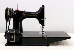 Singer Featherweight 221 Sewing Machine, AL005***