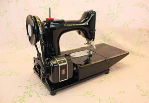 Singer Featherweight 222K Sewing Machine EM6047**