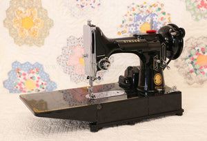 Singer Featherweight 222K Sewing Machine EM6028***