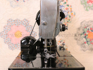 Load image into Gallery viewer, Singer Featherweight 222K Sewing Machine EJ617***