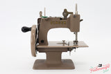 Singer Featherweight 222K Sewing Machine EN136***
