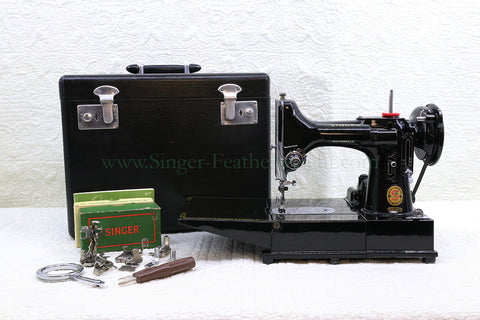 "Singer Featherweight 222K Sewing Machine, RED ""S"" ER0232**"