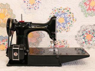 Load image into Gallery viewer, Singer Featherweight 221 Sewing Machine, Centennial: AJ930***