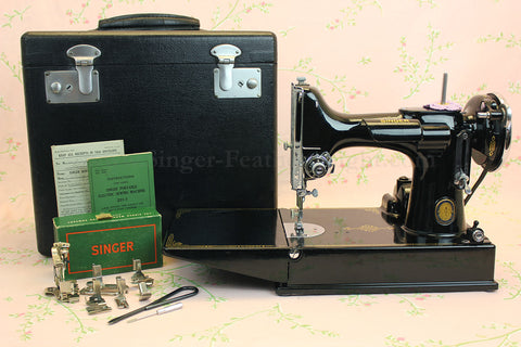 Singer Featherweight 221 Sewing Machine GOLDEN GATE SAN FRANCISCO Edition AF090***