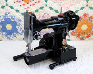 "Singer Featherweight 222K Sewing Machine, RED ""S"" ER901***"
