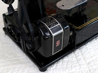 "Load image into Gallery viewer, Singer Featherweight 222K Sewing Machine, RED ""S"" ER901***"