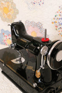 Singer Featherweight 221 Sewing machine, 1935 AD945***